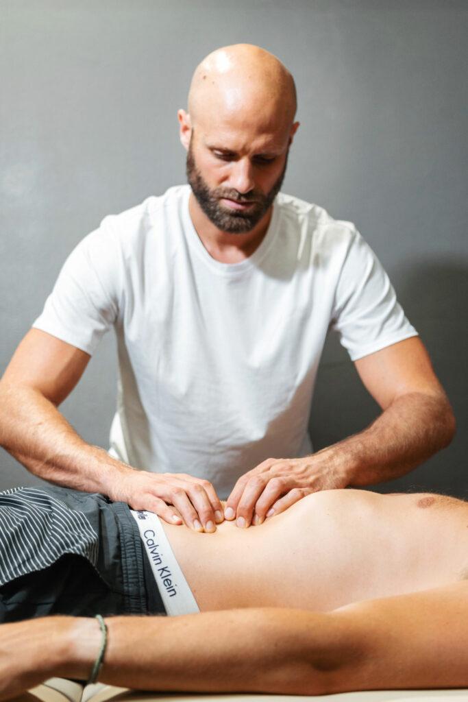 Rolfing Behandlung Bauch